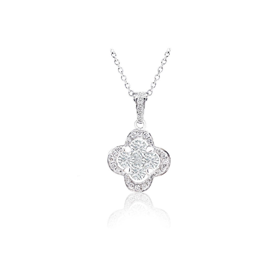 Diamond Pendant set in 18k
