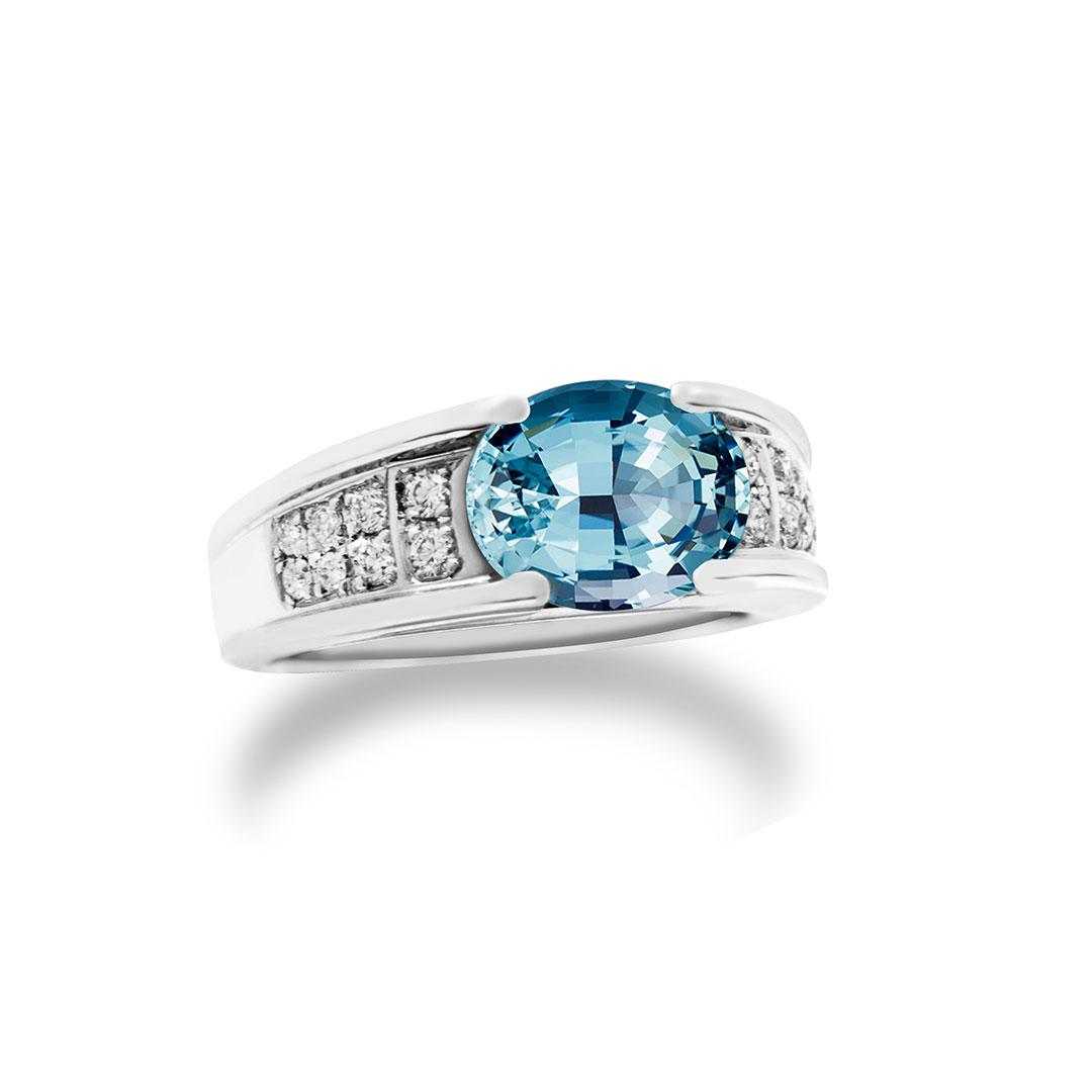 Aquamarine Ring set in 18k with Diamonds