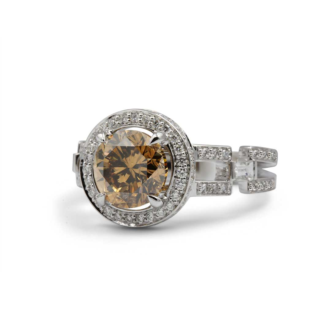 Cognac Diamond Ring in 18k white gold