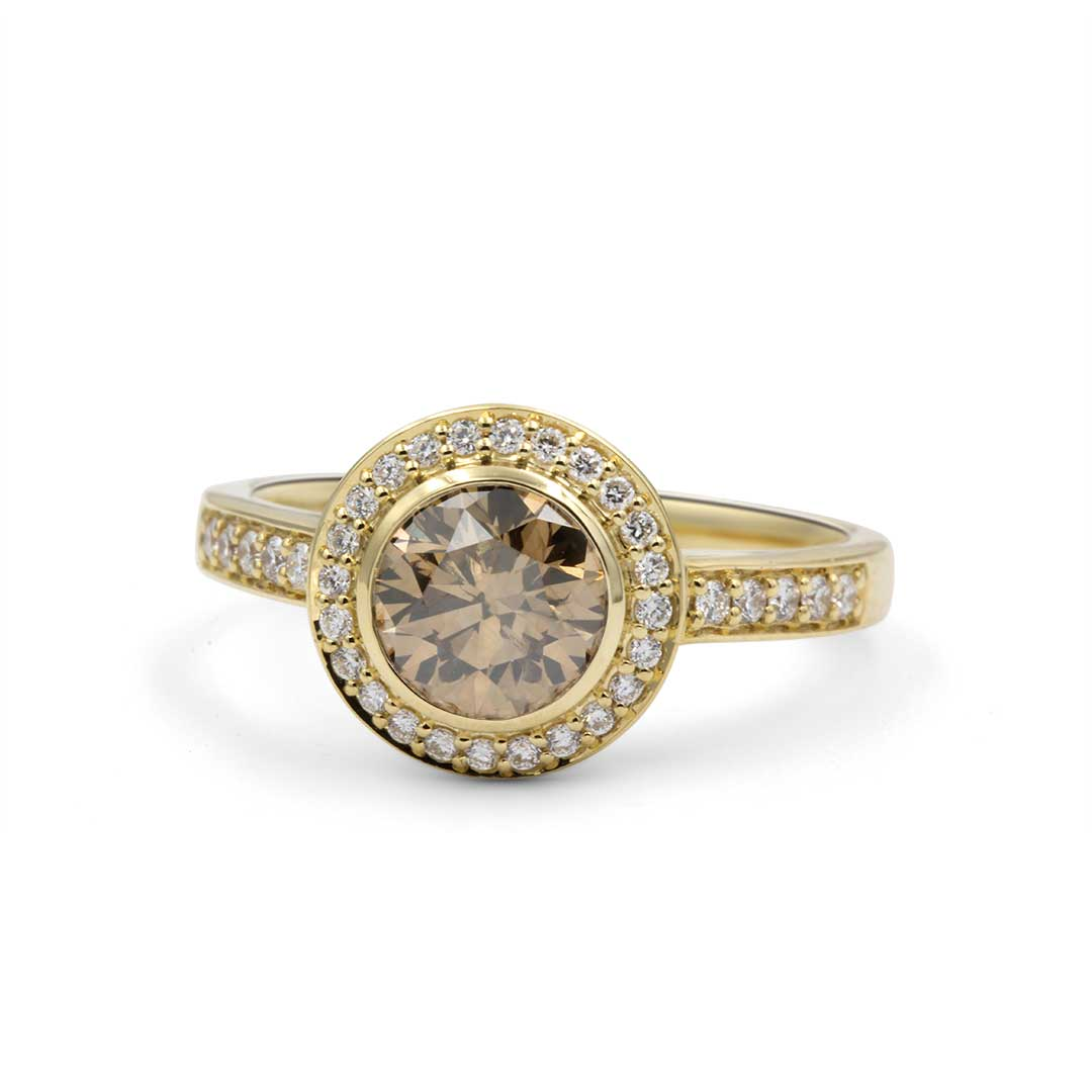 Cognac Diamond Ring in 18k Yellow Gold surrounded by White Diamond Halo