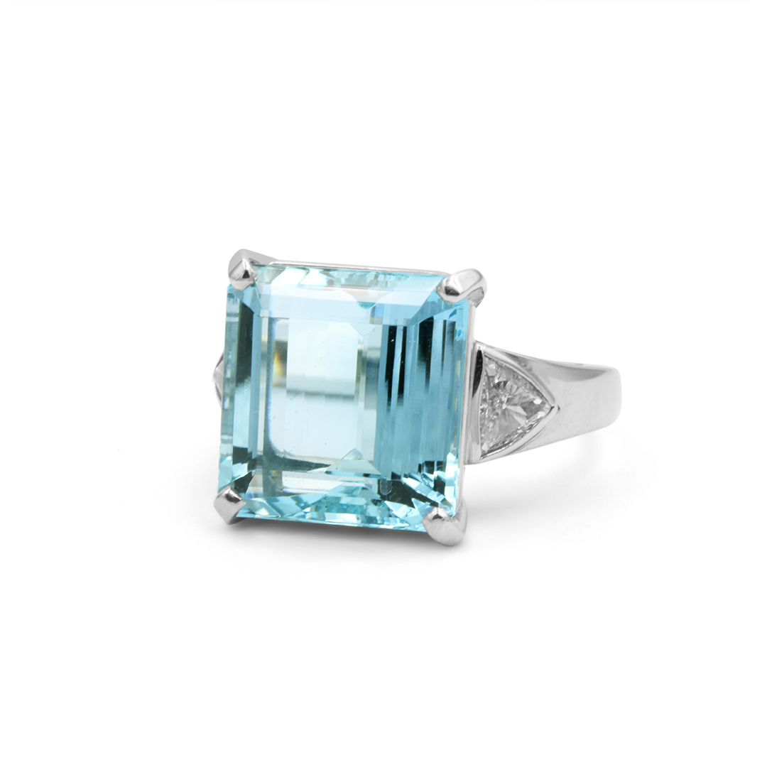 Aquamarine set in Platinum with Trilliant Cut Diamonds